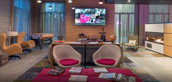 MOXY Hotel Heathrow